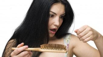 Caduta capelli: rimedi naturali